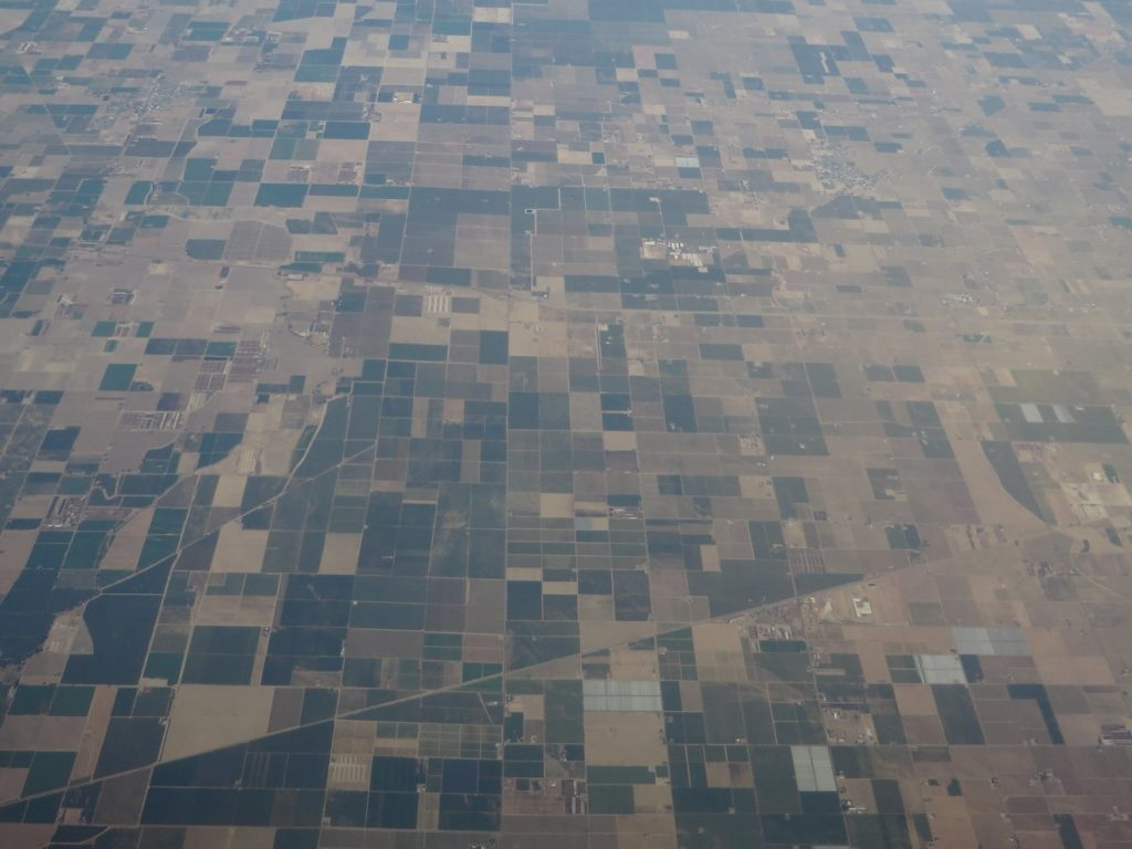 California Central Valley South of Fresno, home to some of California's most  productive agricultural areas.  Credit: Ken Lund via Flickr.